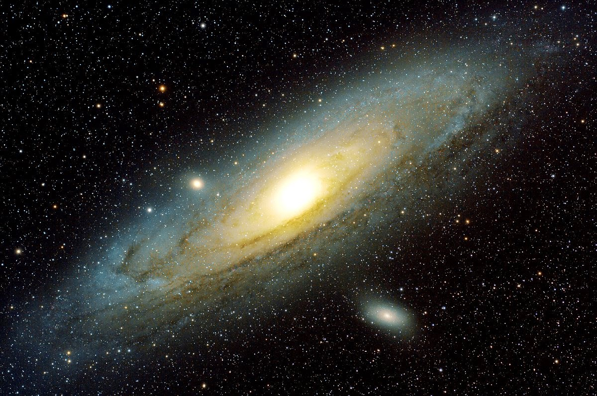 Andromeda Galax M31 by Luca Argalia. Retouched by Laron